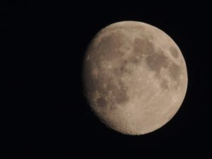 moon-2046429_1920